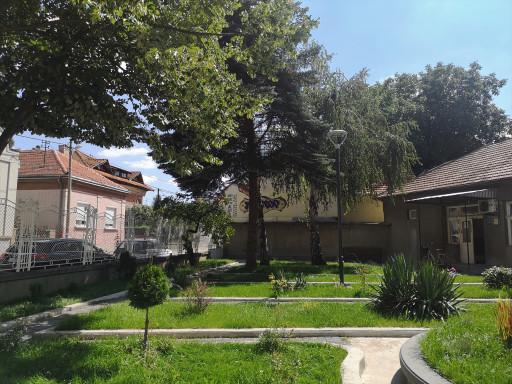 Dvorište 2