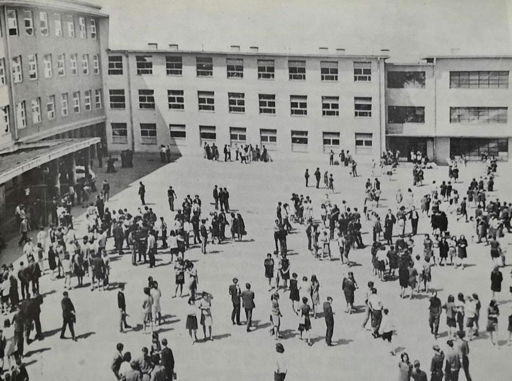 Gimnasium front yard
